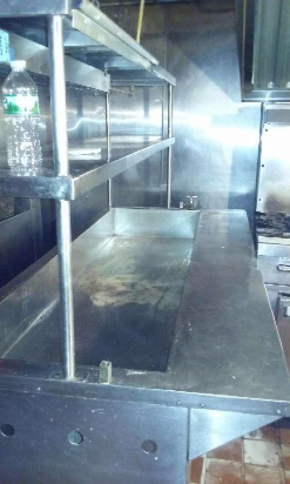 Steam table en buenas condiciones